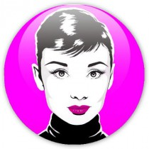 badge pop art Audrey sur fond rose