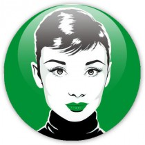 badge pop art Audrey sur fond vert
